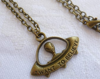 Alien necklace,UFO necklace,space jewellery,alien jewelry,sci fi,charm necklace,bronze,handmade,gift,space ship pendant,simple necklace