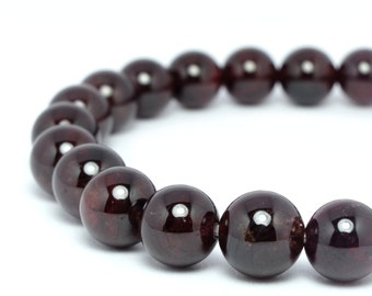 8mm Garnet Beaded Bracelet