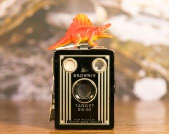 Rustic Kodak Brownie Target Six-20 Art Deco Box Camera #B11