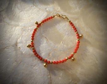 bracelet with antique vintage natural  coral and solid gold 18 karat 18k