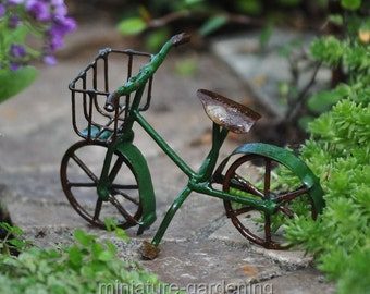 Mini Bicycle, Green for Miniature Garden, Fairy Garden