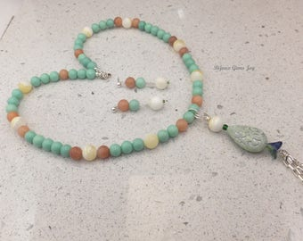 Mint Sprigs Necklace and Earrings Set, Embossed Teardrop, Aventurine, Mother of Pearl, Glass