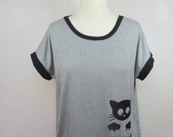 Woman T-shirt wide neckline in the back with cat, Cook skull print or Indian