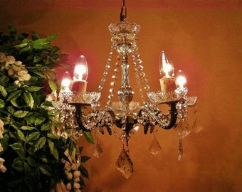 ABSOLUTELY ADORABLE~ Vint Chandelier Smothered in Crystal Garlands and Brass