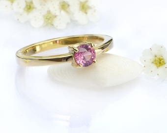 Size M 1/2 (US 6 1/4) Pink Sapphire Solitaire Ring | Eco Friendly 18k Gold