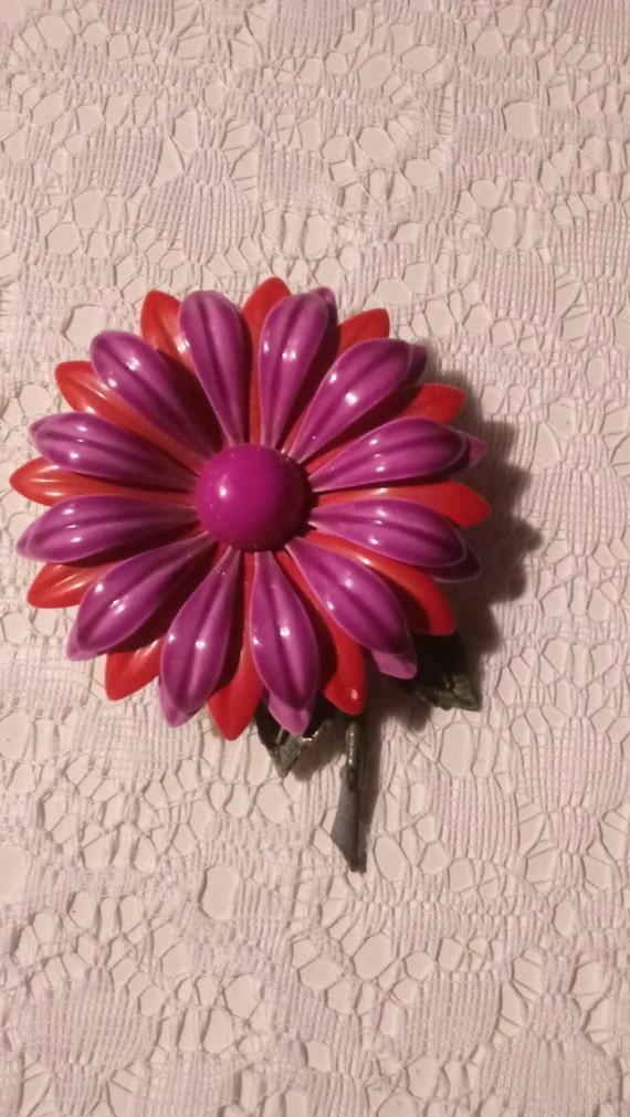 60s Vintage Metal Flower Power Brooch