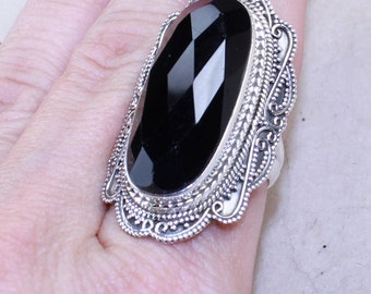 Elegant Black Onyx  & Solid 925 Sterling Silver Ring, size 8