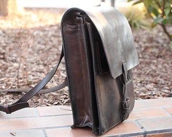 Vintage MilitaryYugoslav Courier leather bag, Messenger bag, Student bag
