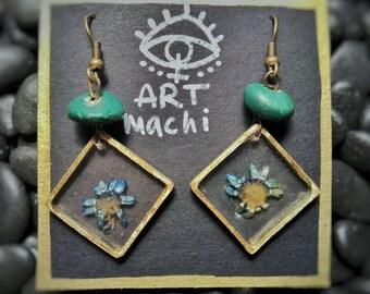 Pressed flower resin earrings. Handmade earrings, brass frame handworked, real blue daisy, spring wind blow