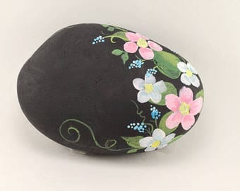 Hand painted garden decor - personalized painted rock - your choice of quote or any wording - Mother's Day gift - painted flowers