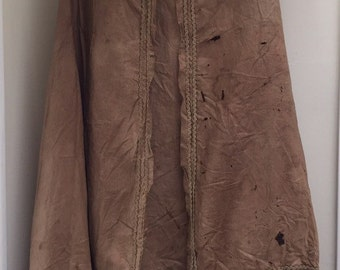 Wonderful early 1840s brown linen cape