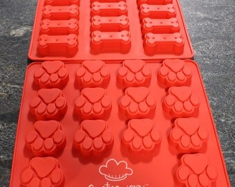 2 Pack of Silicone Molds - Dog Paw and Dog Bone