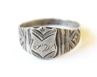 Antique Signet Ring / Silver Signet Ring with Monogram JW c.1880s