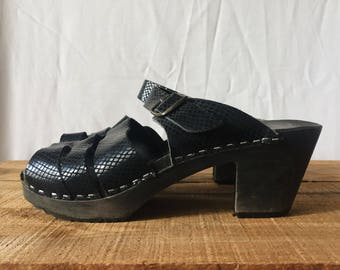 Ladies Vintage Funkis Clogs - Made in Sweden - Womens Retro Mules - Leather Straps Wooden Base - Mid Heeled Slip On Sandal - Black 90s