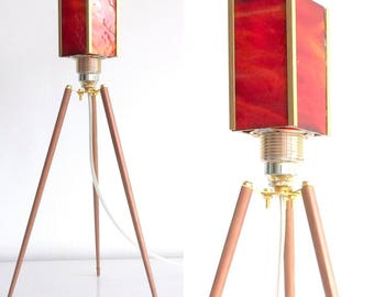Design Tripod Table lamp with square Glass Lampshade - Red Orange Opal