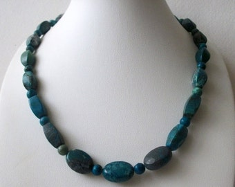 ON SALE Vintage Tumbled African Turquoise Stones Necklace 20217