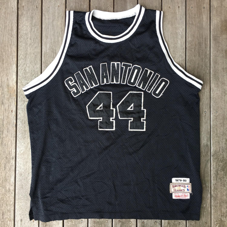 cfe1ae7839bd George Gervin Replica Hardwood Classic Jersey Retro Streetwear. 🔎zoom George  Gervin 44 of the San Antonio Spurs ...