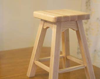 Desk Stool Wood – Ideal Height for Desk or Table