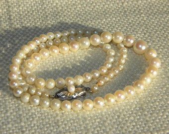 Vintage CULTURED pearls necklace ~ SILVER clasp pearl set ~A2190