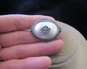 Vintage Signed Avon Faux Pearl Rhinestone Pin