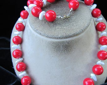 Vintage Long Chunky Red & White Beaded Necklace