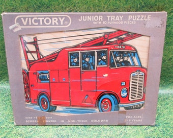 Vintage Victory Fire Engine Wooden Jigsaw Puzzle - In Original Packaging