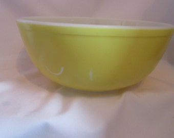 Vintage Bowl pyrex No.: yellow 404 / Vintage Bowl pyrex No.. Yellow 404