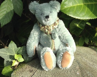 """Ivy, a 5"""" limited edition hand made collector's bear"""