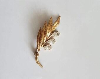 Vintage goldtone leaf stone brooch pin badge