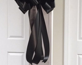 Black party bow