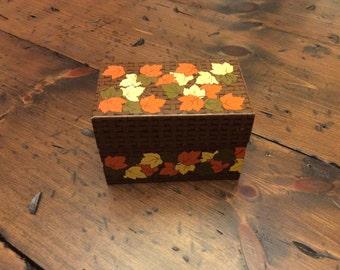 Vintage 70s, Recipe Box, Index Card Storage, Craft Orginization, Crayon Holder (B251)