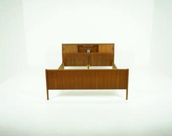 308-127 Danish Mid Century Modern Teak Double Full Bed Frame w/ Light Storage
