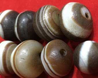 Antique Agate Beads, Tibetian Jewelry 250 years old