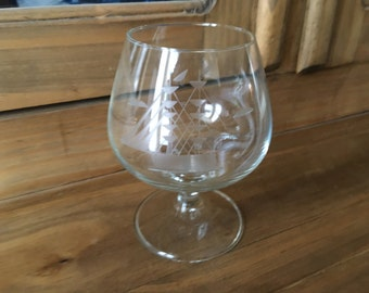 1950s Mid Century Modern English Crystal Etched Sailboat Scotch Glass Brandy Snifter