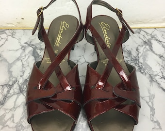 1960's Women's Mod Style Strappy Patent Leather Sandals in Mulberry/Claret with Buckle Fastening & Open Toe detail. Made in England. UK Size