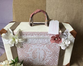 "Urn in the form of suitcase for wedding romantic vintage ""just married"""