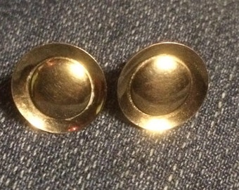Vintage Pretty 10k Gold L.S. Small Round Screw Back Earrings