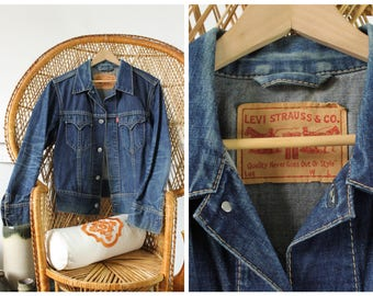 Vintage 90s Levi's Stonewash Blue Denim Jacket Size Medium / Large