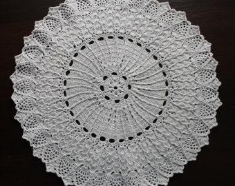 Birthday crochet gift Bridal shower gift Housewarming gift Gift for mom Table decor White round crochet doily Vase placemat Doilies Crochet