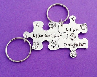 like mother, like daughter, mother daughter, mom and daughter, mother daughter gift, mother and child, gift for mother, mother's day keyring