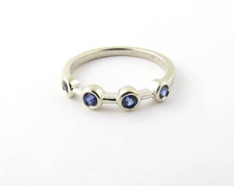 Vintage 14K White Gold and Bezel Set Sapphire Ring Size 6.75 #890