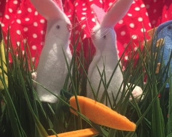 Bunny Finger Puppets, puppet theatre, puppet show, bunnies, children's puppets, finger puppets, easter, pretend play