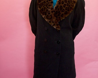 Beautiful cashmere & wool blend, leopard print, faix fur, black coat