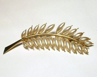 Gold Pearl Wheat Brooch Vintage Barley Corn Leaf Feather 3D Unusual 1970s Pin