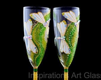 Wedding toasting glasses Champagne flutes Hand painted wedding glasses Dragonfly glasses Spring wedding Greenary wedding Glitter glasses