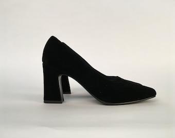 Size 6 1/2- Black Velvet Mootsies Tootsies Heels