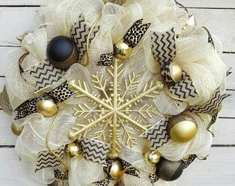 Christmas wreath, Cream Wreath, Gold and Black Wreath, Holiday Wreath, Gift, Bold Statement, Door Decor, Winter Wreath, Snowflake wreath