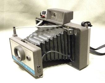 Vintage Polaroid Model 210 Land Camera