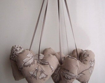 Home Decor - Hanging 6 Hearts ornament Nature motif on Beige