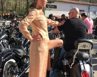 Small (fits 4/6) 70's maxi dress